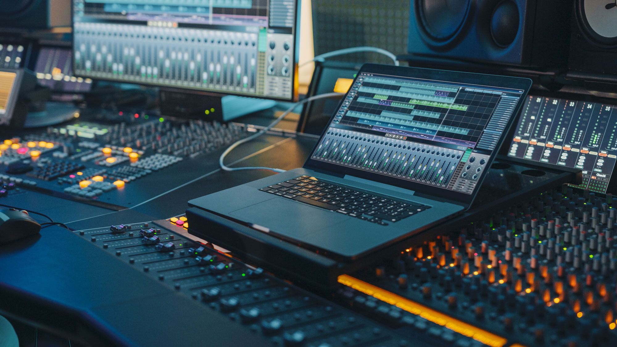 kopfmedia-werbeagentur-offenburg-sound-audio-ton-laptop